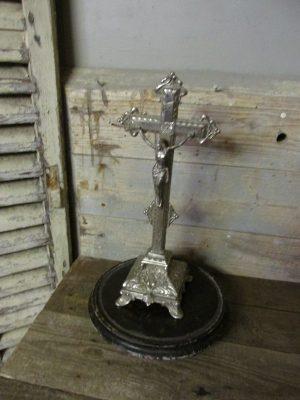 Beeld van Jezus, zilverkleurig