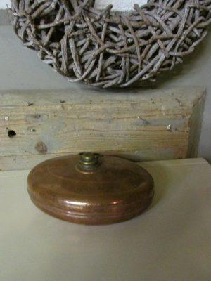 Oude ovale koperen kruik