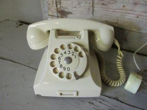 Witte PTT draaischijf telefoon