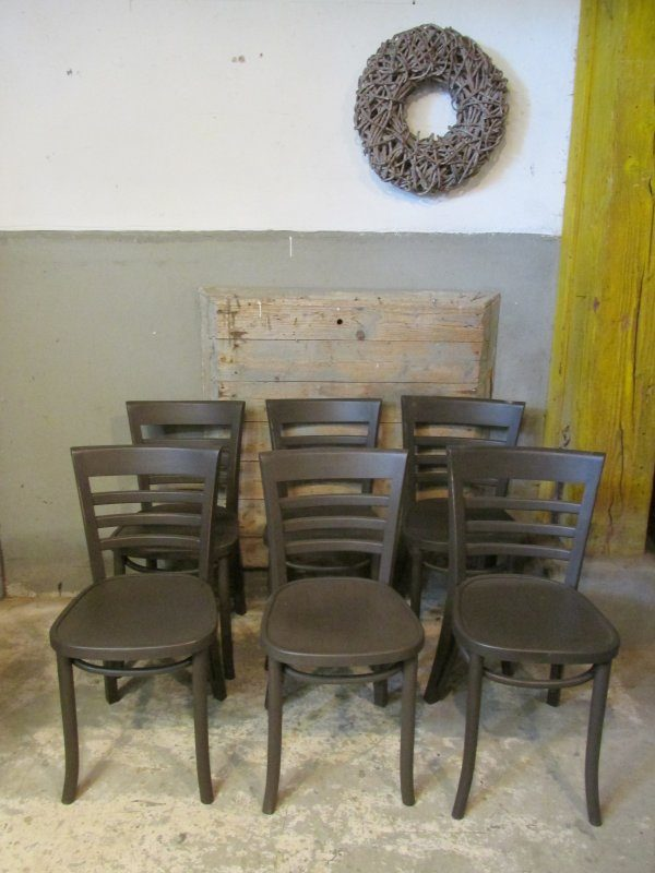 Houten cafestoel in Old Black (5x)