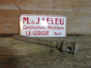 Antieke houten schroef van bankschroef