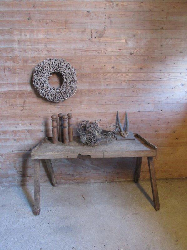 Oude houten tafel als side-table