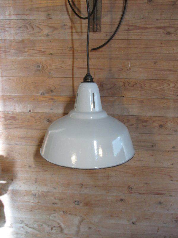 Oude emaille grote lamp, grijs