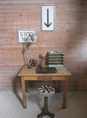 Oude tafel, grenen/beuken met lade