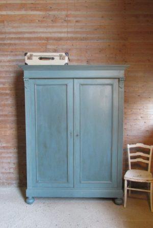 brocante antieke kast kinderkamer demontabel blauw.jpg
