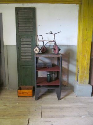 oud industrieel bakkersrek