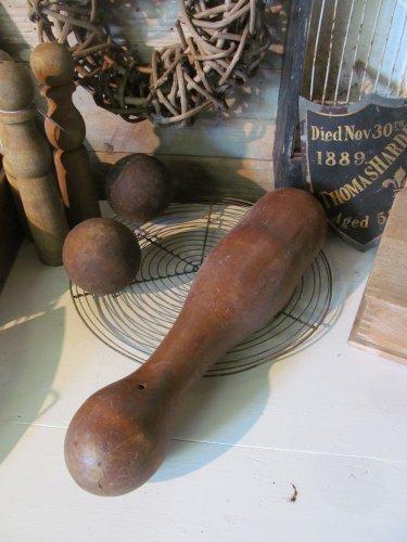 Oude houten kegel of pin