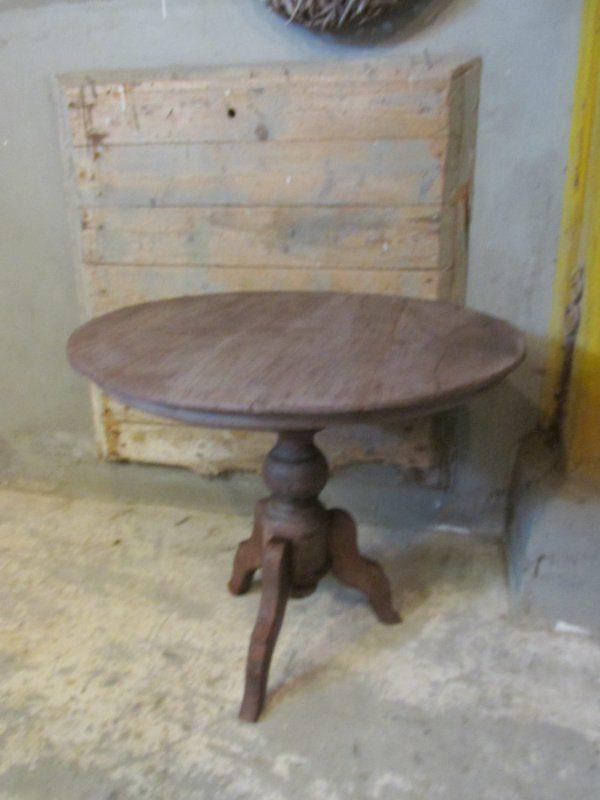 Sobere antieke ronde bijzet tafel