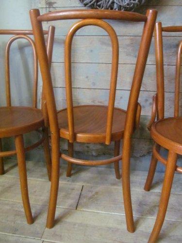 Oude houten cafe stoel (2x) cognac bruin