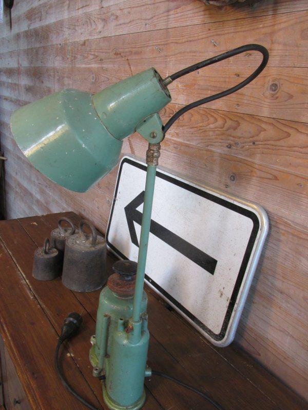 Industrieel, lamp gemaakt van oude slijptol