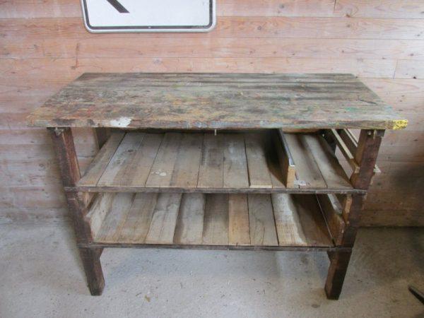 Oude houten werkbank, keukeneiland