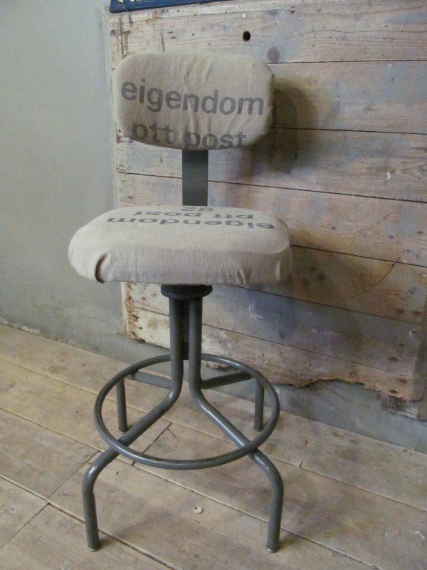 Industriële hoge stoel met PTT zitting