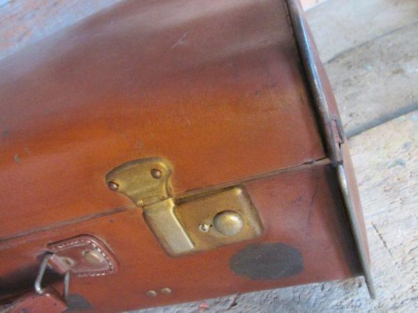 Oude bruine koffer, 55.5 x 35 cm