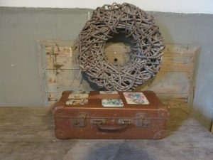 Oude kleine koffer, bruin 35 x 22 cm