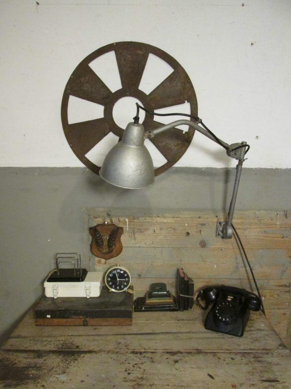 oude-telefoon-zwart-ptt-draaischijf