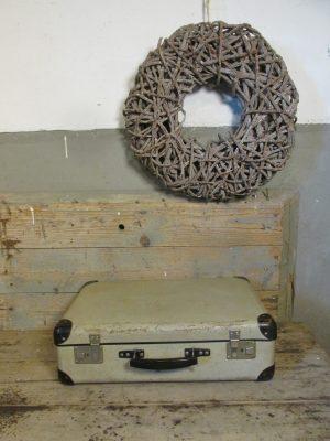 oude-grijze-koffer