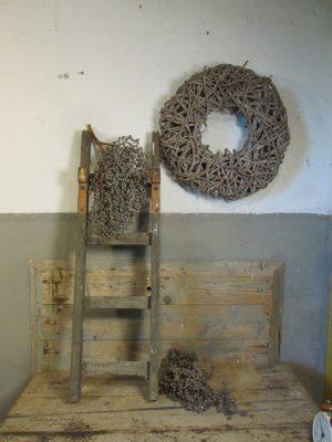 oud-laddertje-trapje-haken
