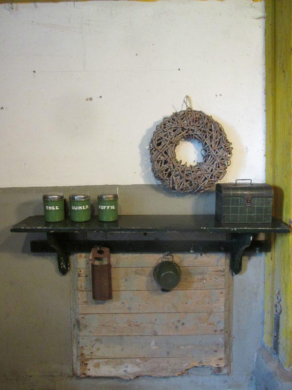 oud-groen-regaal-keukenrek