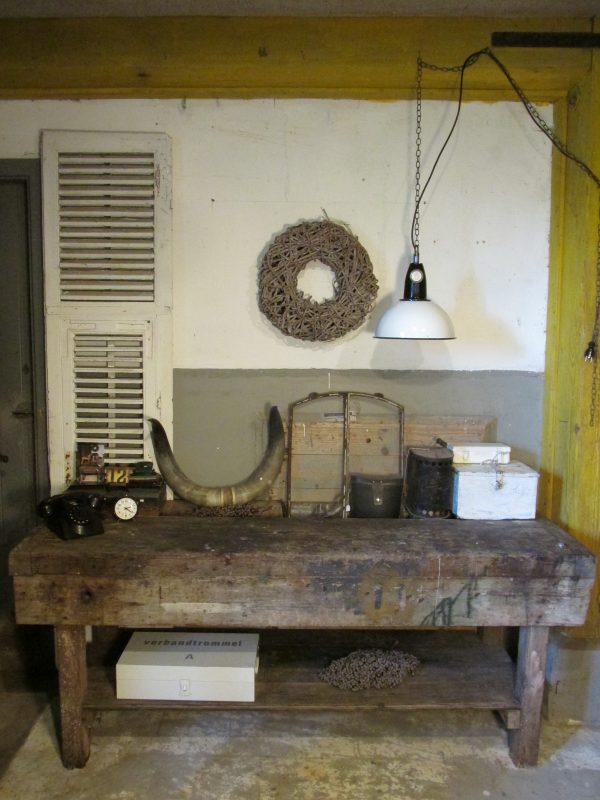 oude-houten-werkbank