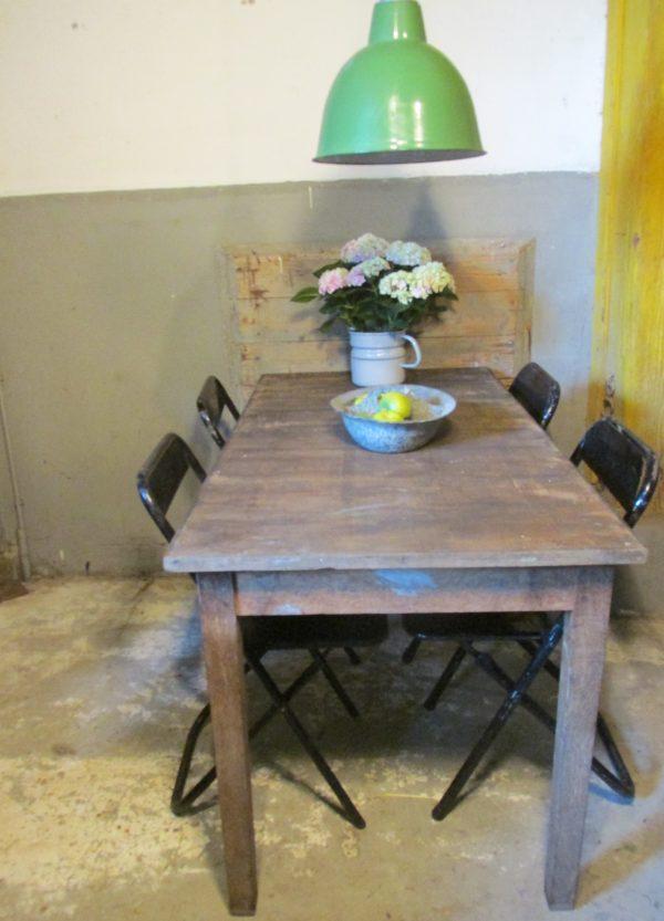 Oude eiken tafel, sober