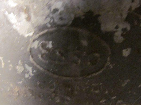 Oud stoer Esso blik