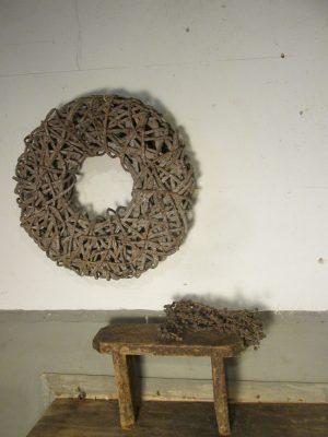 oud-sober-houten-vensterbankje