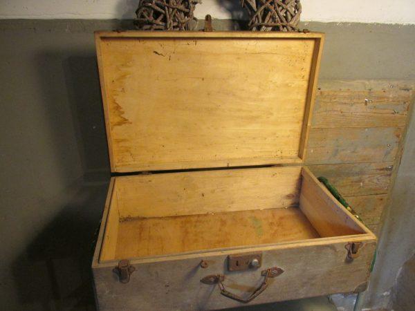 Oude houten koffer 60 x 39.5 cm