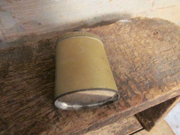 Oud klein blikje foot powder