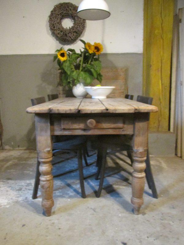 Oude grenen boeren tafel