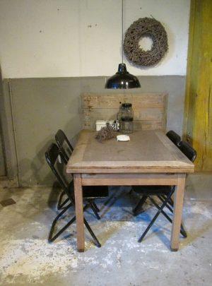 oude-eiken-tafel-sober-uitschuifbaar