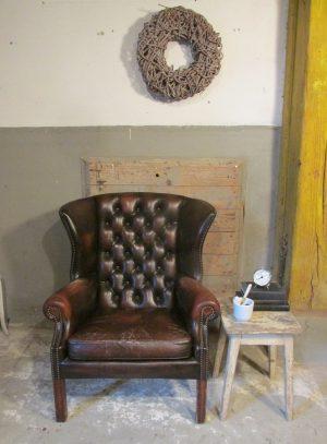 Oude Chesterfield leren oor fauteuil, bruin