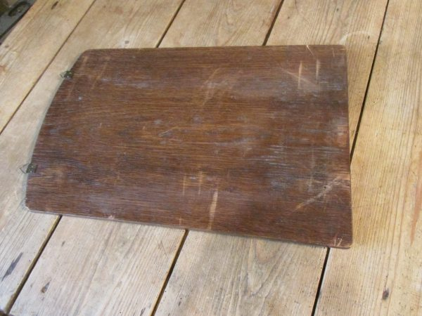 Oude couranten plank