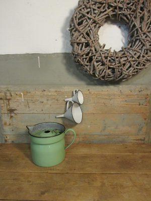 Emaille groene melkkoker