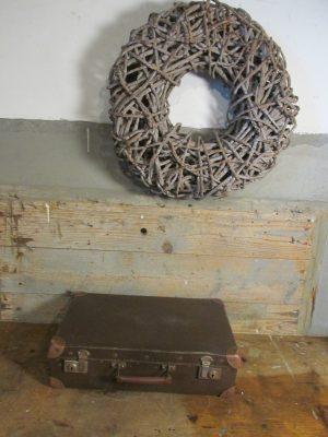Oude kleine koffer donkerbruin 42.5x 26.5 cm