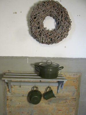 Emaille pan in het donkergroen