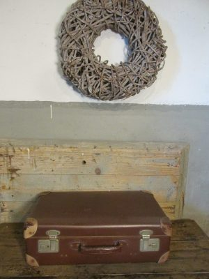 Oude koffer, donkerbruin 55.5 x 34 cm