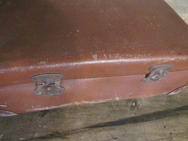 Oude kleine koffer, midden bruin 34.5 x 23 cm