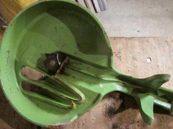 Oude snijmolen van Pede in reseda groen