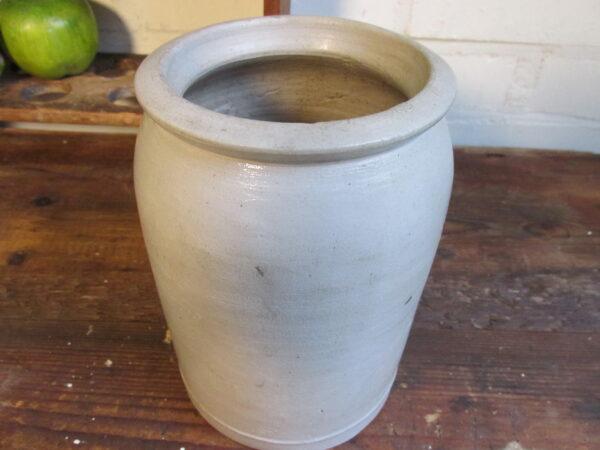 Oude grijze grespot 18 cm hoog