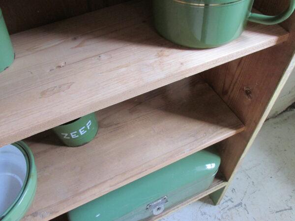 Oude houten grenen rek, groen met geel