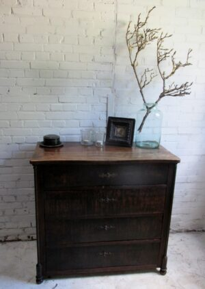 Antieke Franse ladekast of salonkast