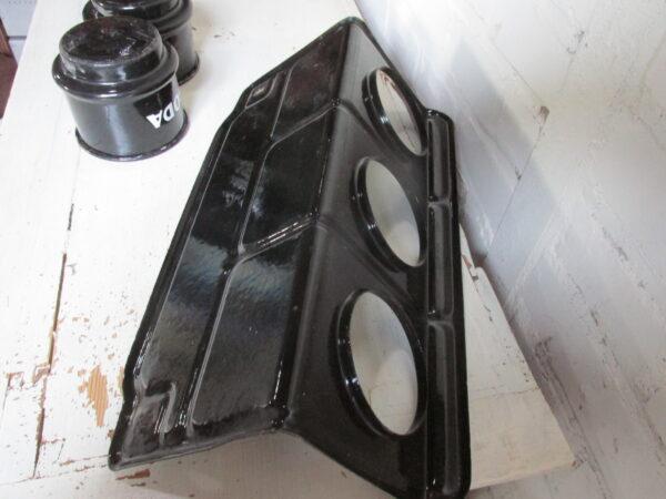 Zwarte oude emaille zand zeep soda met rek