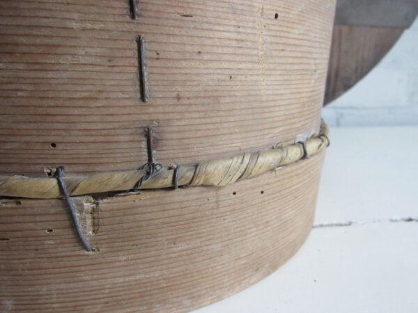 Oude meelzeef 26 cm doorsnede