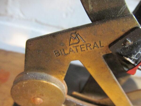 Oude brievenweegschaal
