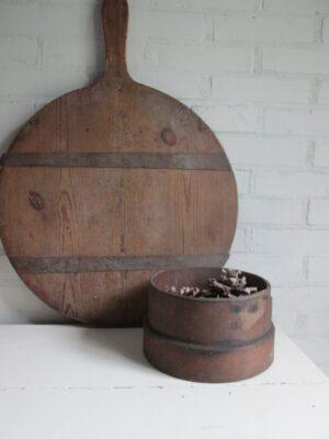 Oude houten meelzeef, donker 23 cm doorsnede