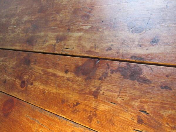 Antieke smalle Franse grenen tafel