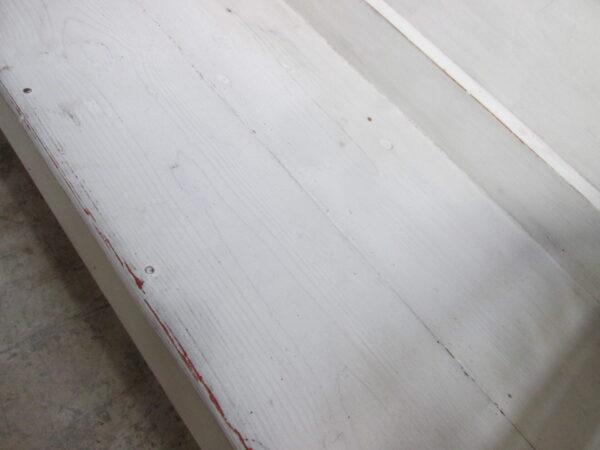 Grijze houten eettafelbank of veranda bank