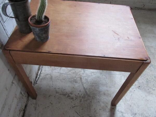 Vintage Deens bijzet tafeltje of als salontafel