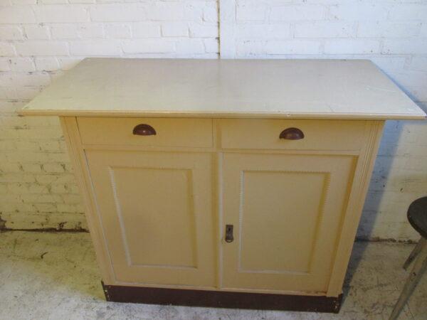 Vintage commode of dressoir in Nude kleur