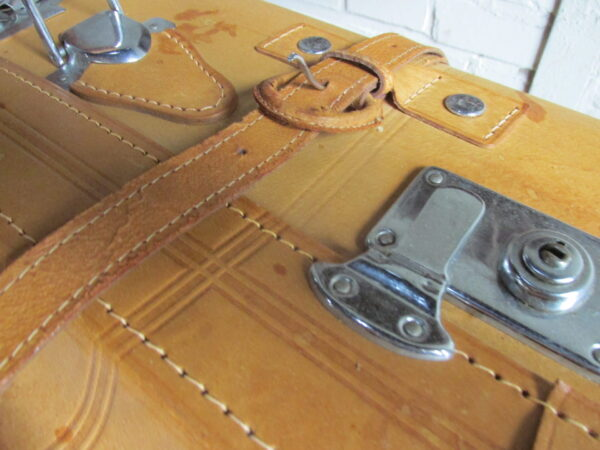 Oude grote leren koffer 76 x 46 cm